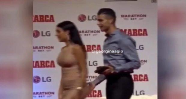 Cristiano Ronaldo APALPA o rabo de Georgina Rodríguez