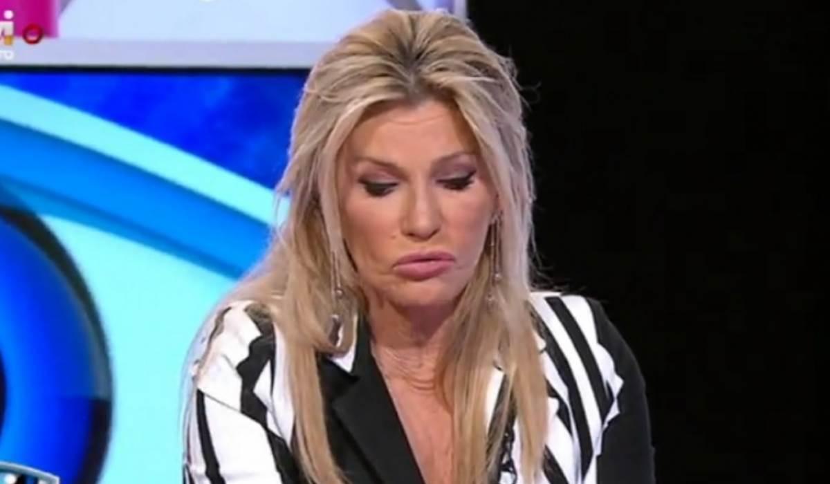 Photo of Cinha Jardim manda nova Bujarda no Extra. Chama GORDA à Sandrina