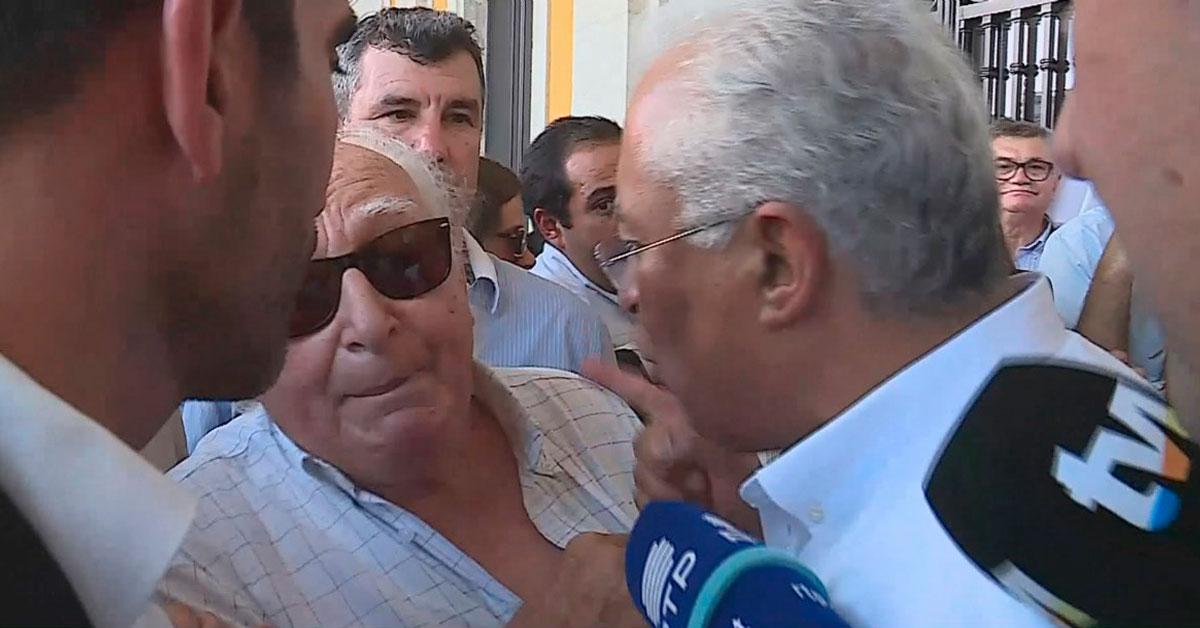 Photo of António Costa PASSA-SE DA CABEÇA com idoso durante arruada em Lisboa