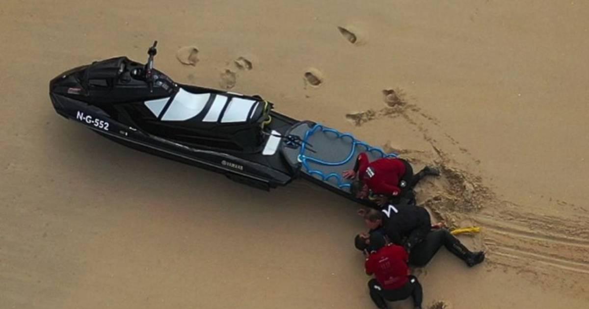 Photo of As imagens dramáticas do salvamento de Pedro Scooby na Nazaré