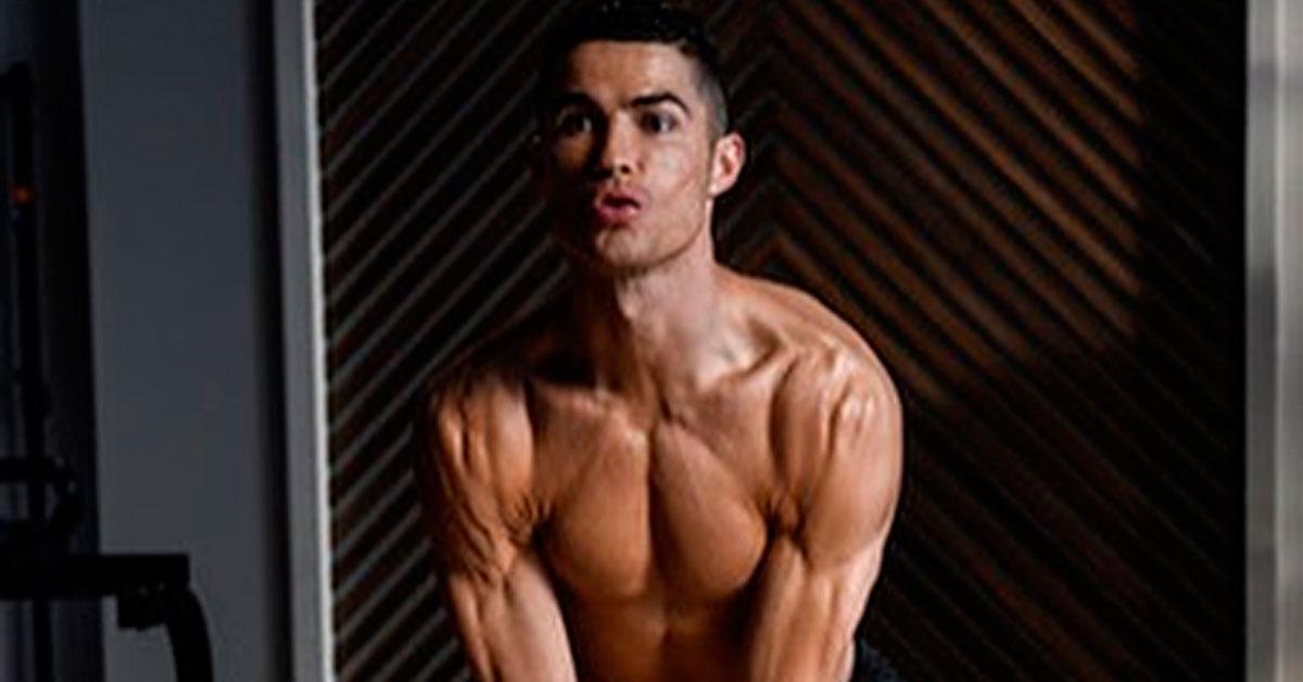 """Photo of Aos 34 anos, Cristiano Ronaldo exibe os seus músculos """"Treino da manhã…"""""""
