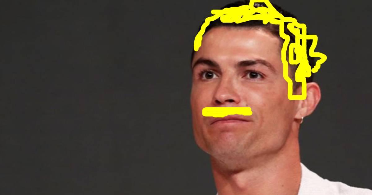 Photo of Cristiano Ronaldo de careca e de bigode