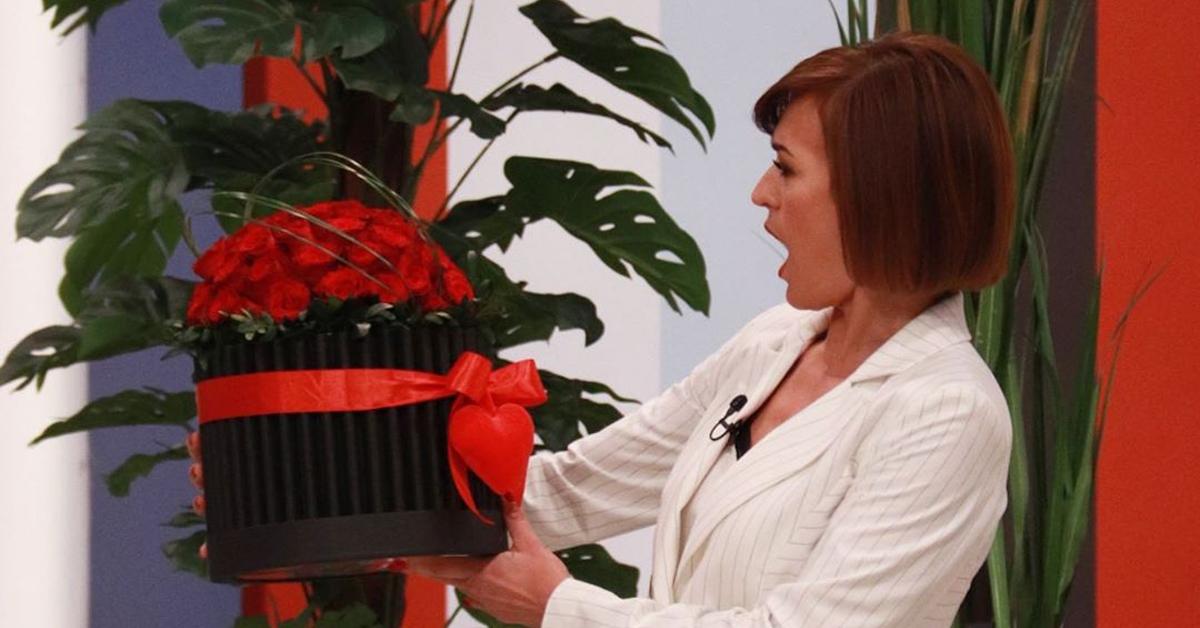 Photo of Admirador Secreto? Fátima Lopes recebe flores em direto