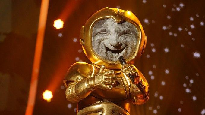 Photo of «A Mascara»: Descobre quem é o Astronauta