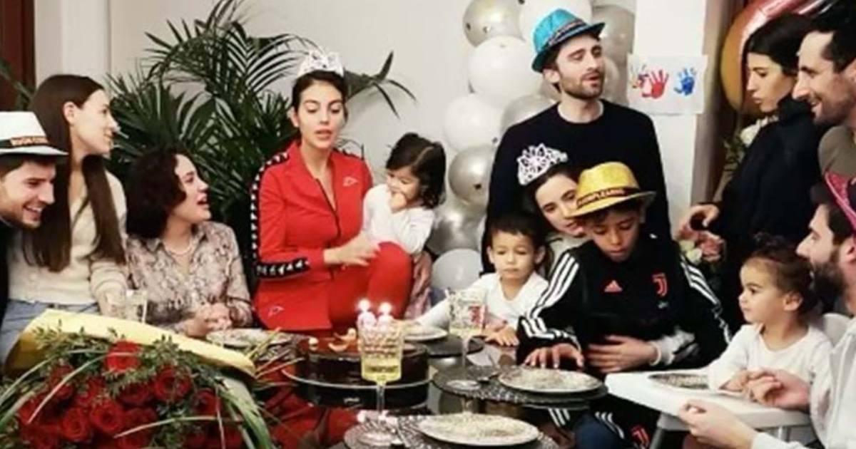 Photo of Amigos surpreendem Georgina Rodríguez com festa de aniversário.. o vídeo!