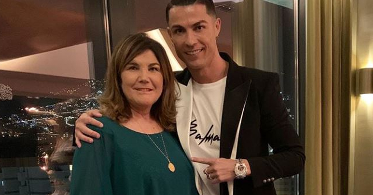 Photo of Cristiano Ronaldo volta a viajar para a Madeira para estar junto de Dolores Aveiro