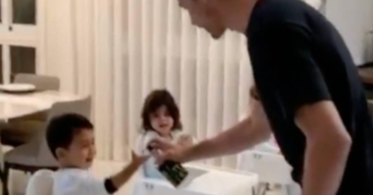 Photo of Mãos sujas? Cristiano Ronaldo resolve