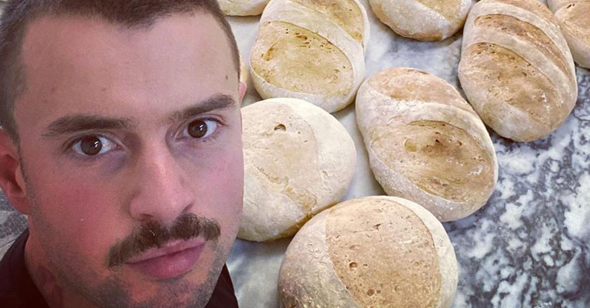 Photo of Marco Costa oferece pão a quem precisa e lança apelo aos fãs