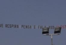 """Photo of Avião com boca? """"Ouve, respira pensa e fala. ass: Já estás"""""""