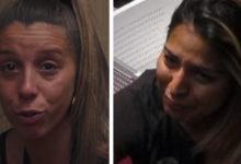 Photo of Angélica e Sónia estão em baixo e choram juntas.