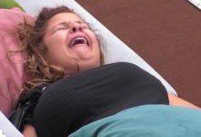 """Photo of Sandrina chora e fica na azia com avião dos sensatos """"estou a sentir-me falsa"""""""