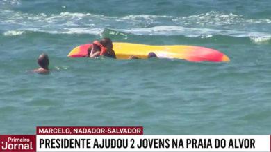 Photo of Presidente da República torna-se nadador-salvador improvisado e ajuda duas jovens