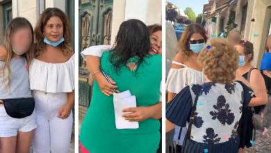 """Photo of COVID-19? Sandrina faz sessão de autógrafos no salão: """"abraços e beijos? isto não está certo"""""""